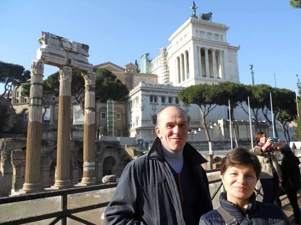 Nicola Pontiggia, 55 anni, e la moglie Svetlana, 44, a Roma (foto Sandonini)