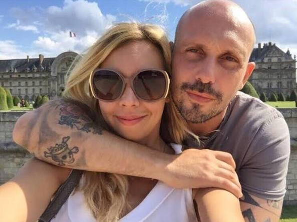 L'ex calciatore ucciso, Andrea La Rosa, con la fidanzata Estella Bellini