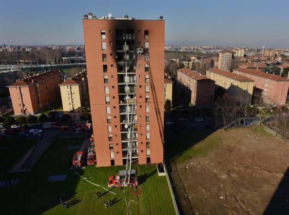 Via cogne milano incendio in un palazzo di 13 piani for Piani di palazzi contemporanei