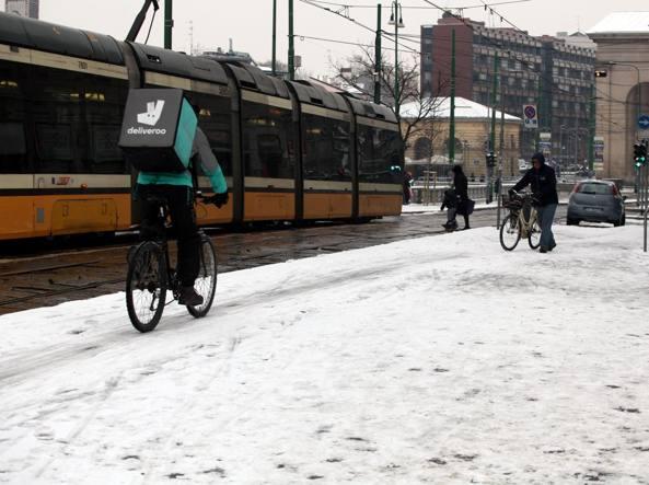 Treno guasto, pendolari al freddo