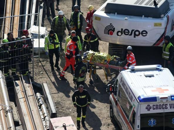 Morte bianca a Colle Val d'Elsa, 57enne cade da tetto di capannone